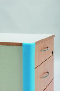 Профиль L для защиты мебели углов и краев.
